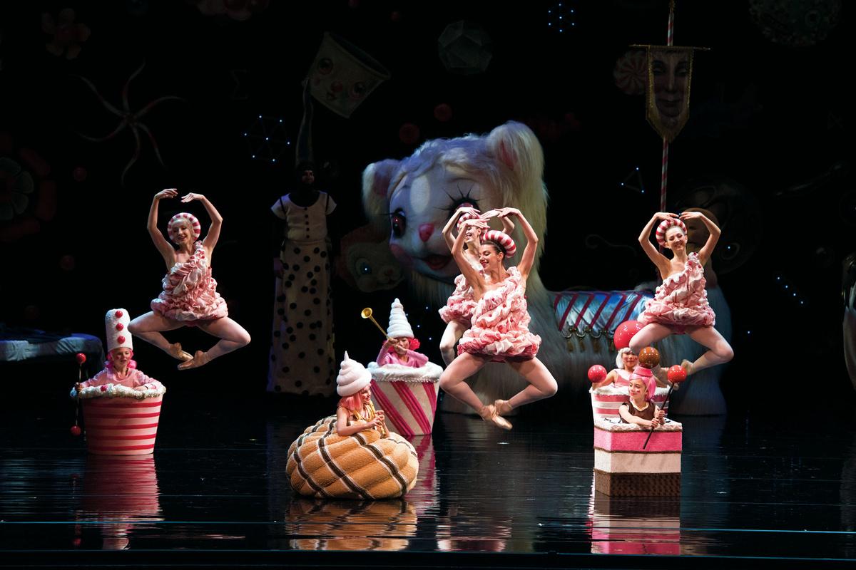 📹 Serendipity, il famoso pasticcere di New York, omaggia il balletto di Ratmansky